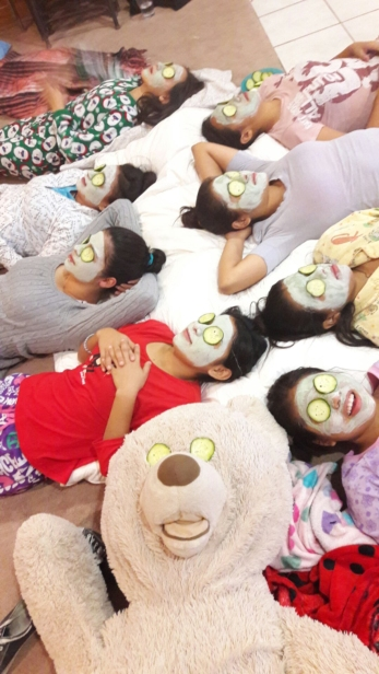 girls-sleepover-bears