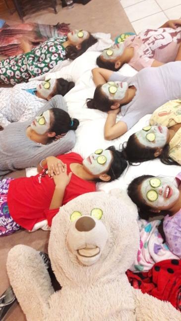 girls-sleepover-bears